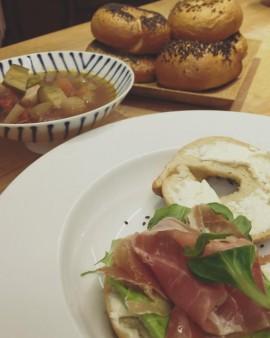 Bagel + 意大利菜湯